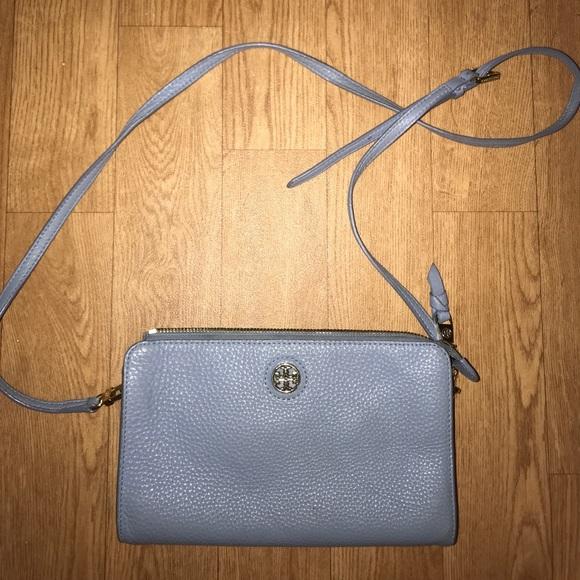 2b9bed6815a0 Baby blue Tory Burch leather crossbody bag. M 5b9b3c4404e33d58143d0545
